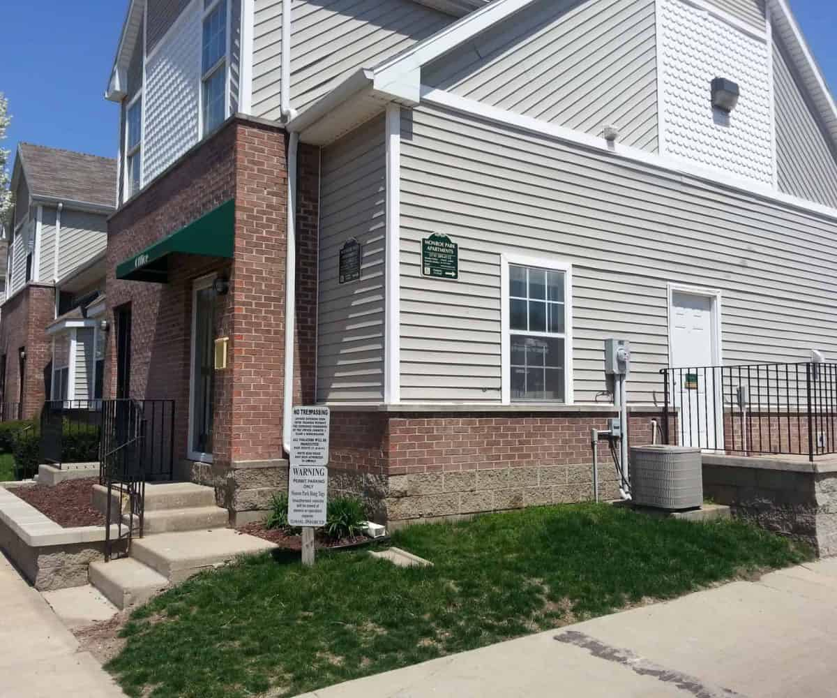 South Bend Apartments: 526 Fellows St., South Bend, IN 46601